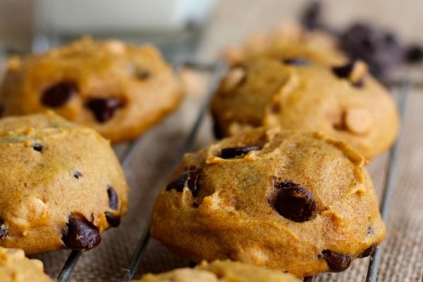 Family Favorite Recipe: Pumpkin Chocolate Chip Cookies.  YumMMee!