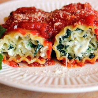 Spinach and Cheese Lasagna Roll-ups with Spicy Marinara