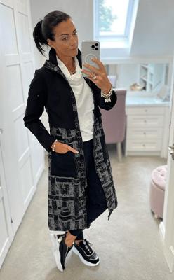 Nina's-Boutique---NAYA-Long-Line-Jaquard-Zip-Jacket
