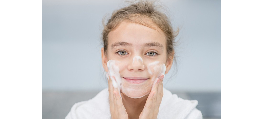 Meaghers---Back-To-School-Skincare--Setting---Lisa's-Lust-List