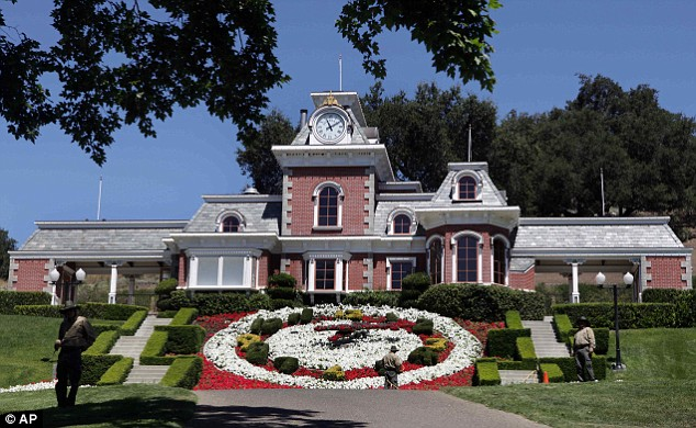 The famous Neverland train station with its enormous floral clock
