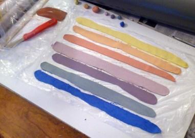 Paper porcelain with color pigments