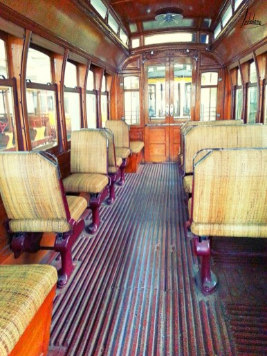 Intérieur de tramway musée carris