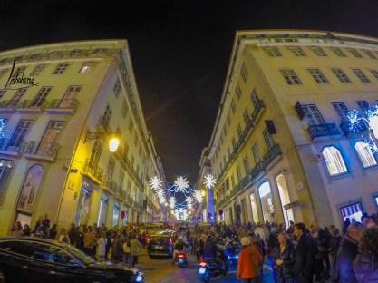 Devant les Armazéns do Chiado, lumières de Noël de Lisbonne 2018