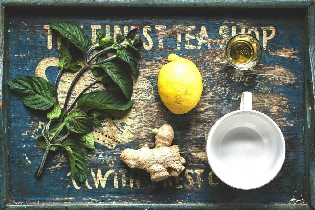Ingefær te mod forkølelse og virus, med tips fra laboratoriet