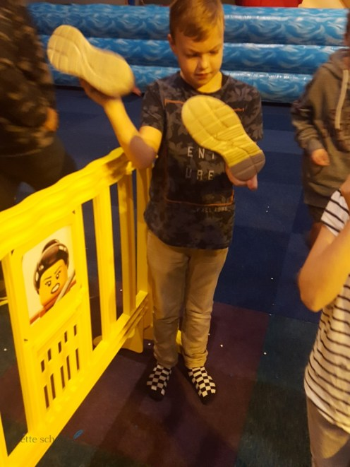 schoenen leegkloppen na de legodouche bij lego world 2017 Lisette Schrijft