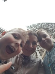 in de wachtrij voor achtbaan Wodan Lisette Schrijft
