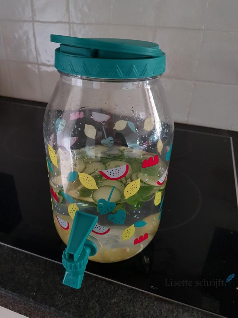 water met een smaakje fruit Lisette Schrijft