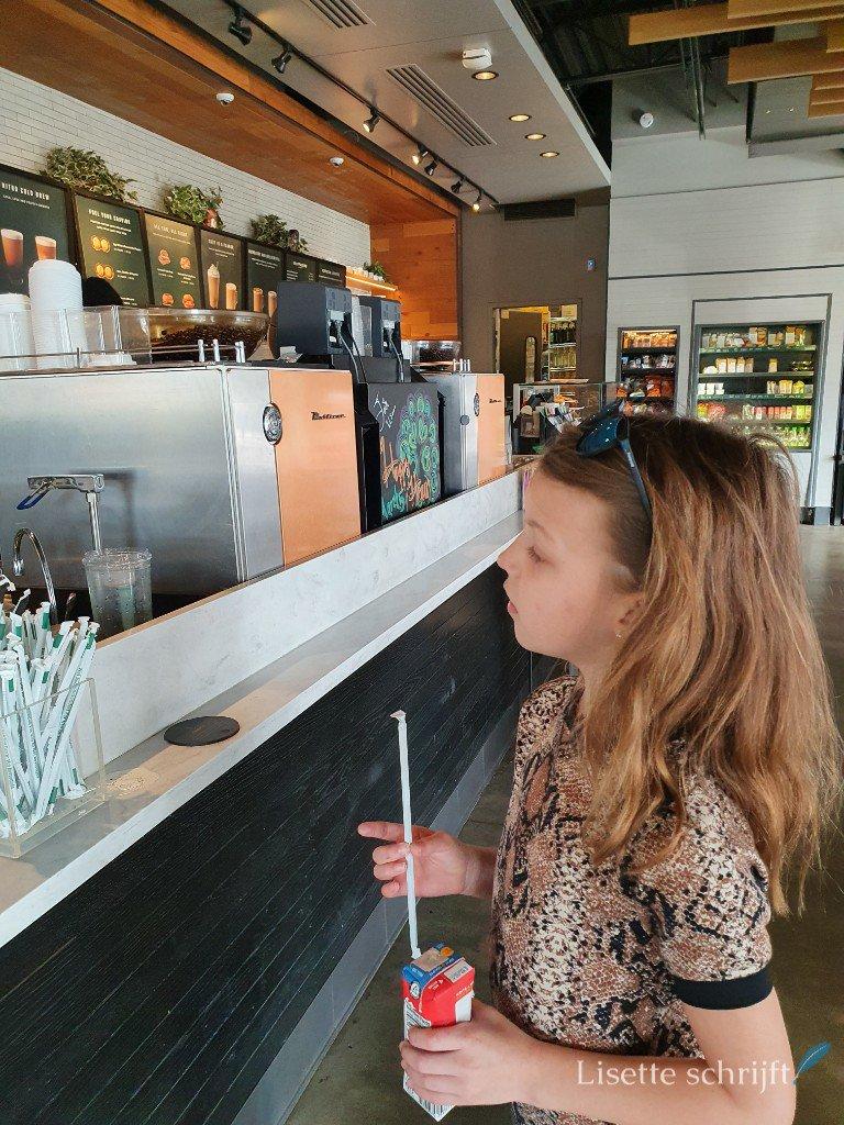 ontbijt bij Starbucks in Amerika