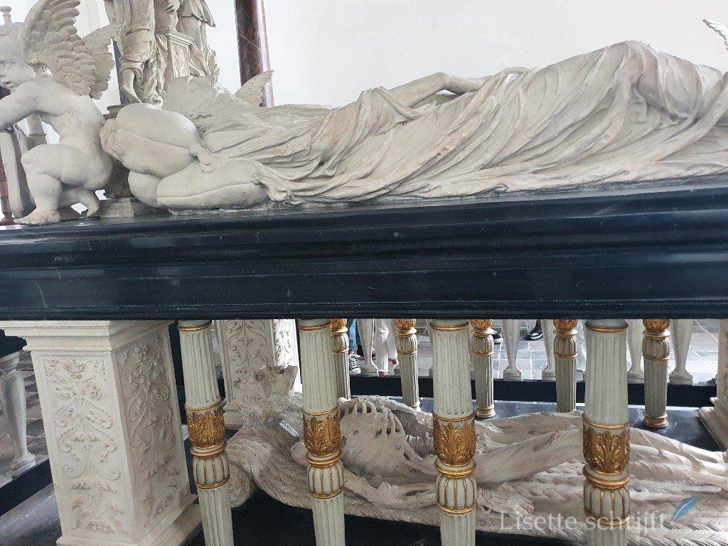 praalgraf in de grote kerk van Vianen