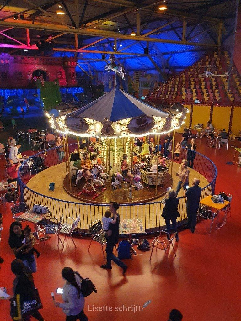 carrousel draaimolen in Utrecht indoor speeltuin