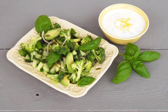 Brokkolisalat og sitrondressing. Foto: Lise von Krogh