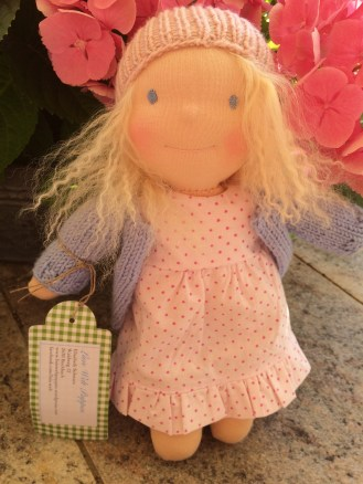 Sissi, wohnt jetzt in Deutschland bei einem Puppenvati