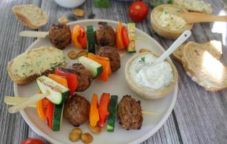 Vega spiesjes met gekleurde groente