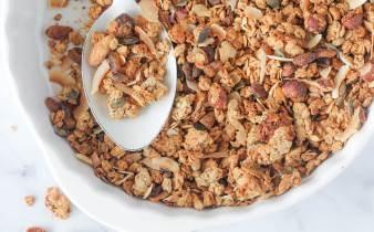 Glutenvrije granola met zuurdesem discard