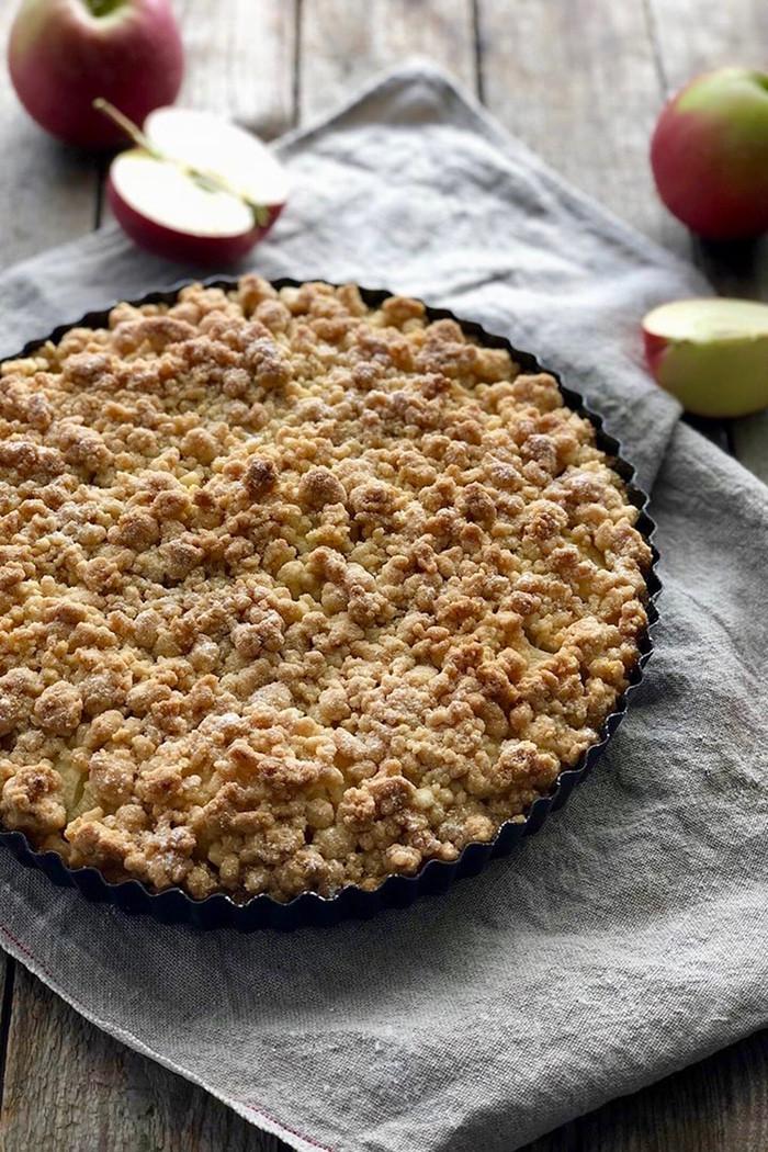 Apfel Streusel Tarte mit Vanillepudding