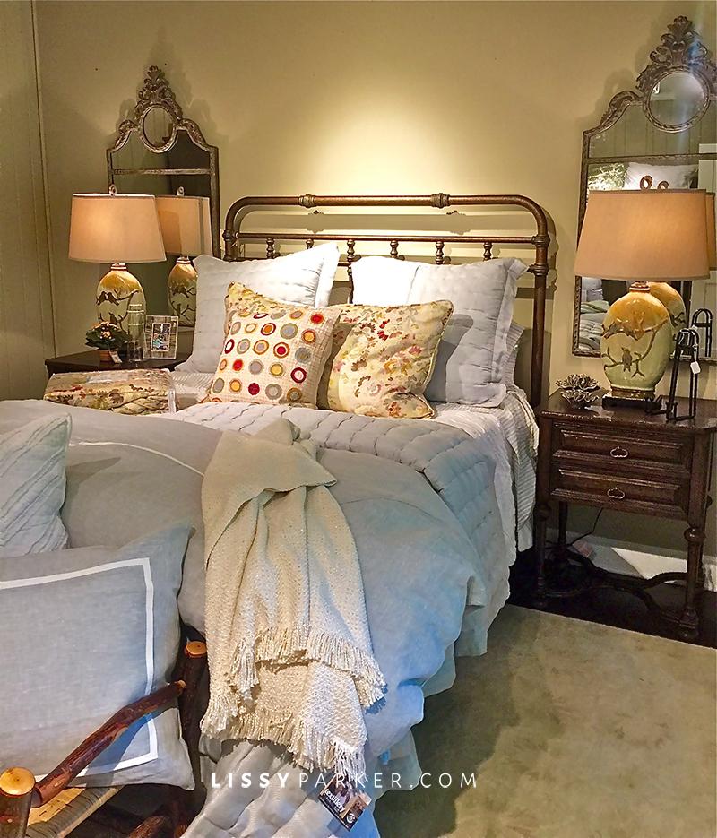 blue and cream bedding
