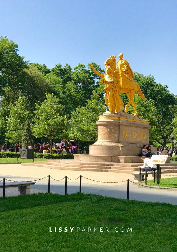 Centrral park statue