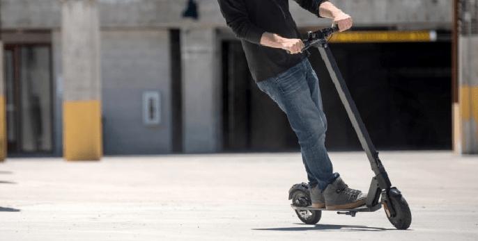 patinete fabricado por la compañía Megawheels