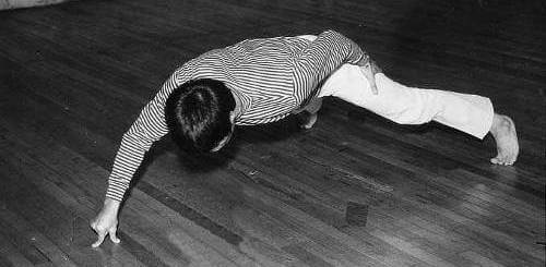 Bruce Lee's Two Fingers Push Ups
