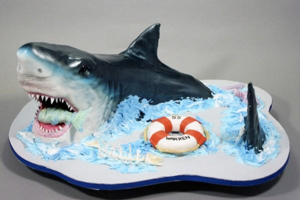 20 Killer Shark Cakes.
