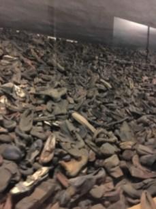 Auschwitz I - sapatos dos prisioneiros