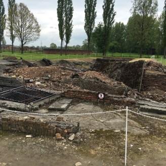 Auschwitz II - Birkenau - ruínas da câmara de gás