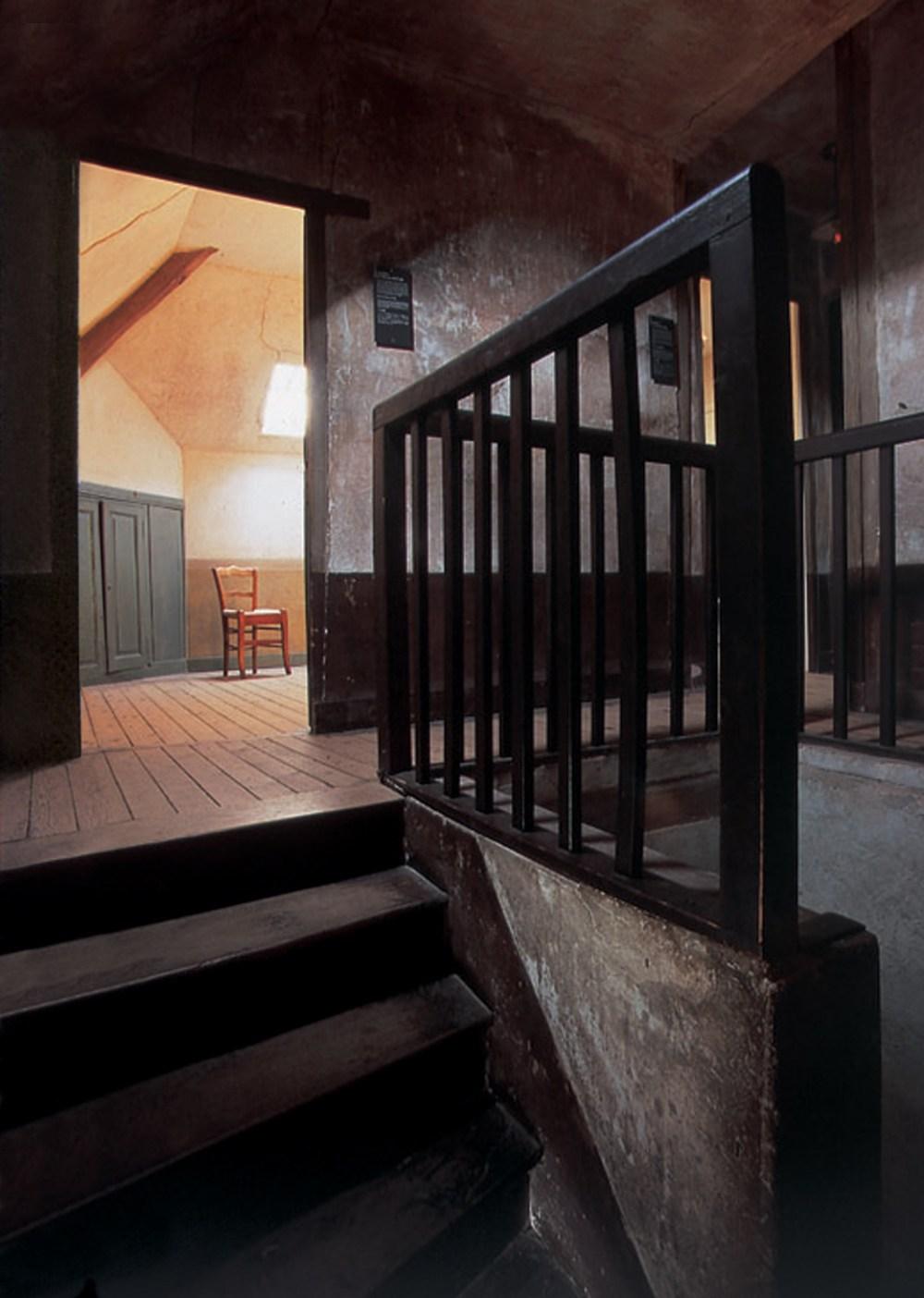 019-Chambre Van Gogh (1)