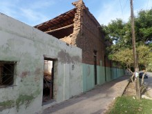 The southern wall of the building shows nearly no damage.
