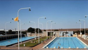 Photo of Woomera swimming pool.