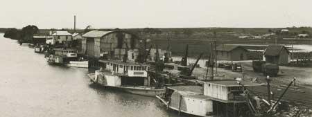 Murray Bridge wharf with river boats