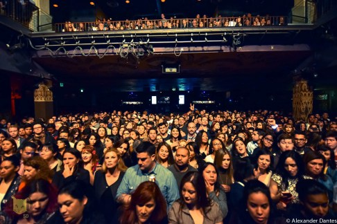 SOLD OUT Crowd