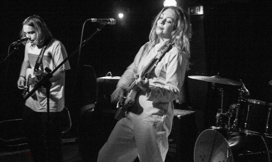 Gig Review: Lauran Hibberd: Sebright Arms: 29th November 2018