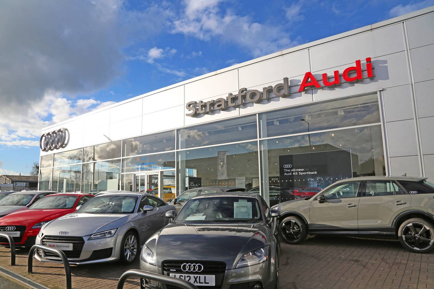 Finding new chrysler trucks and cars isn't as difficult as it was just a decade ago. Stratford Audi Stratford Upon Avon Audi Servicing Mot Audi Dealer