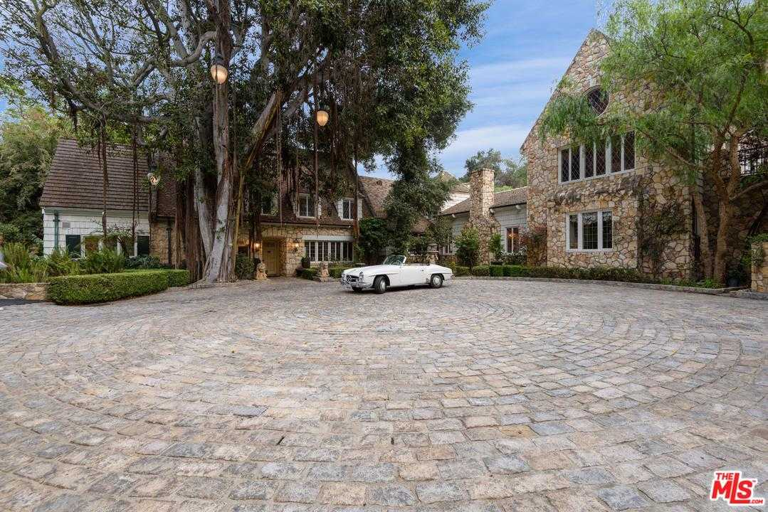 $30,000,000 - 10Br/8Ba -  for Sale in Beverly Hills