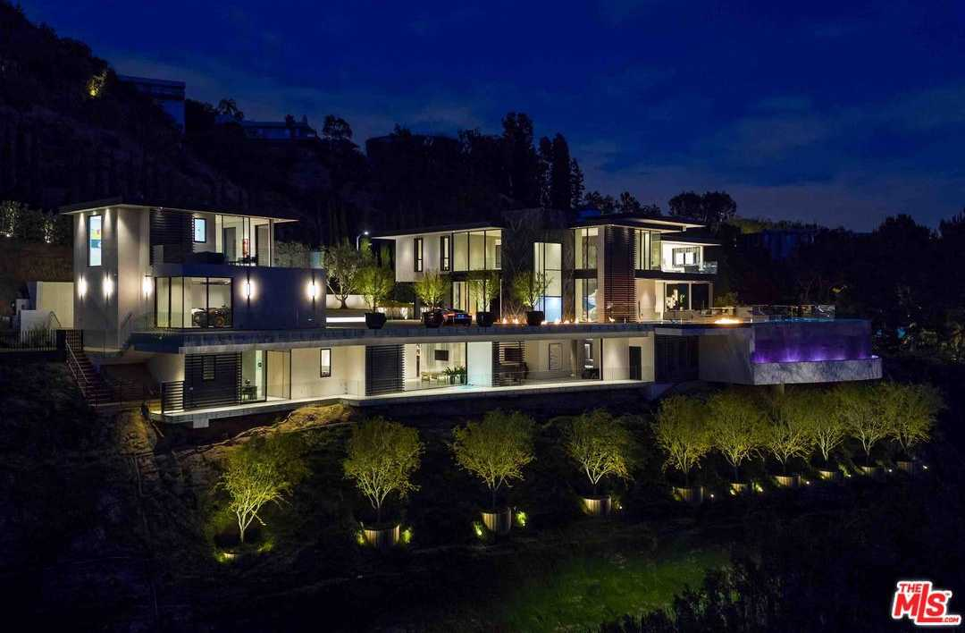 $29,975,000 - 5Br/8Ba -  for Sale in Los Angeles (city)