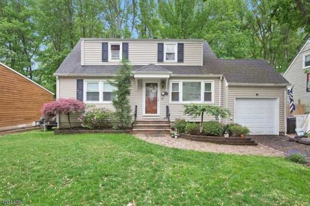 $425,000 - 4Br/2Ba -  for Sale in Cranford Twp.