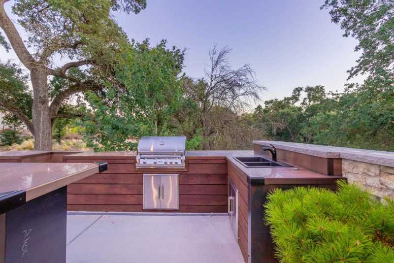 $2,599,000 - 4Br/6Ba -  for Sale in Carmichael