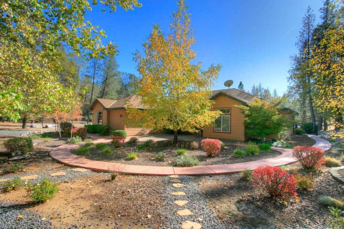 $642,500 - 4Br/3Ba -  for Sale in Colfax