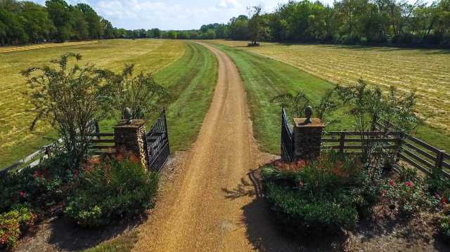 $4,950,000 - 4Br/5Ba -  for Sale in Equestrian Estate, Franklin