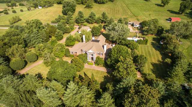 $3,600,000 - 5Br/7Ba -  for Sale in None, Thompsons Station