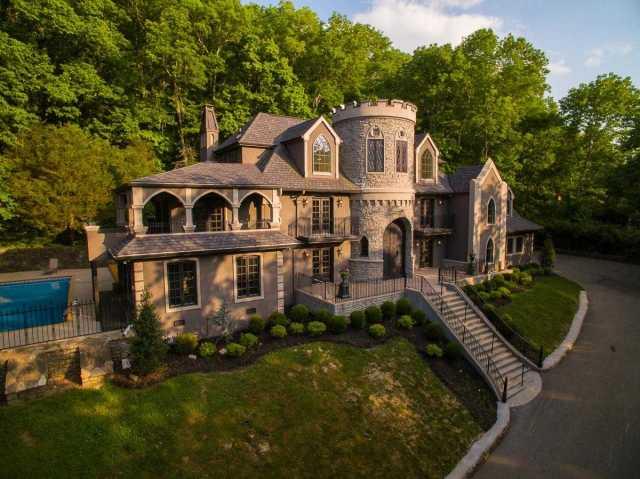 $2,000,000 - 5Br/6Ba -  for Sale in Hillsboro Park, Nashville