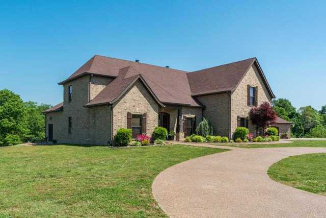 $619,900 - 4Br/3Ba -  for Sale in Na, Greenbrier