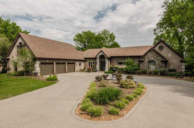 $1,150,000 - 3Br/4Ba -  for Sale in Lakeland Heights, Hendersonville