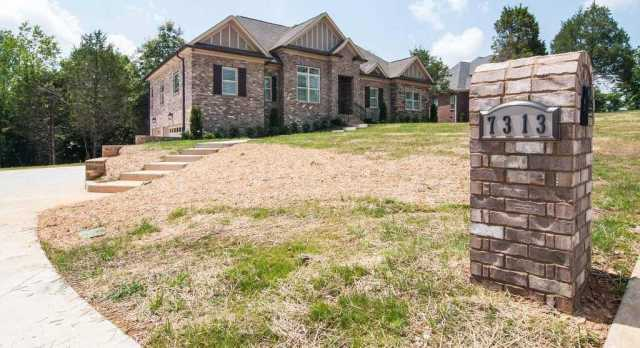 $489,900 - 3Br/4Ba -  for Sale in Kyles Creek Ph2 Sec1, Fairview