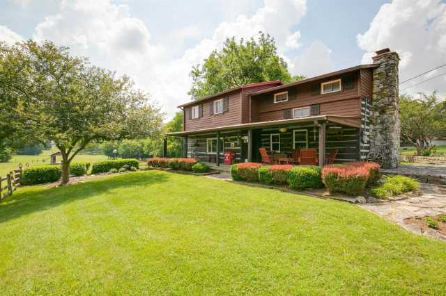 $899,900 - 3Br/3Ba -  for Sale in N/a, Lebanon