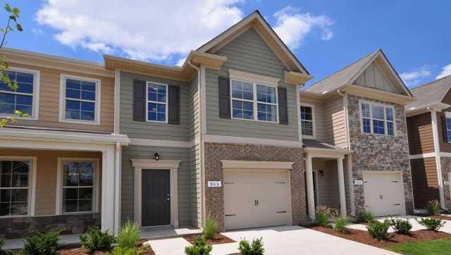 $259,990 - 4Br/3Ba -  for Sale in Woodmont, Smyrna