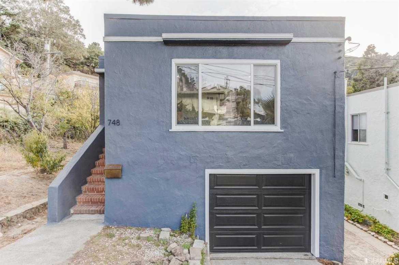 $925,000 - 2Br/2Ba -  for Sale in Brisbane