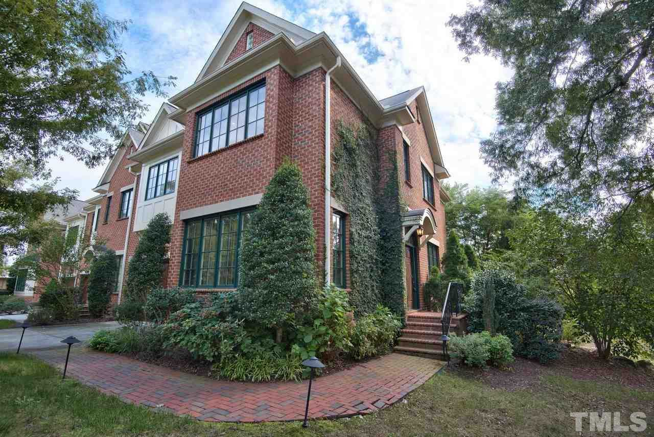 $1,150,000 - 2Br/3Ba -  for Sale in Franklin Grove, Chapel Hill