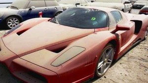 Why thousands of expensive cars are abandoned in Dubai